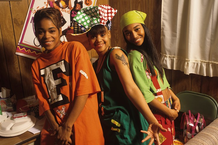 Get the Best 90's Fancy Dress for the Party